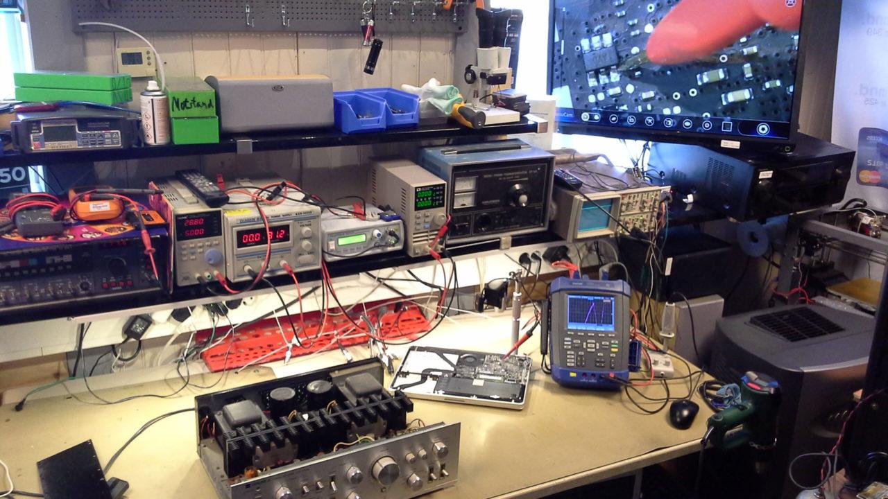Oppdraget arbeidsbenk feilsøking elektronikk